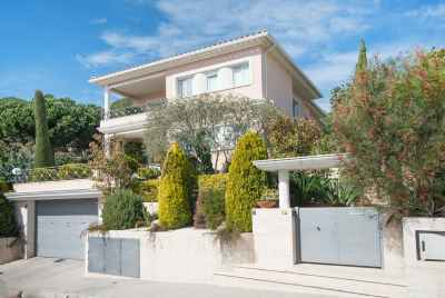 House with pool and large terrace in Costa Maresme